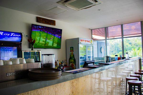 fly-breeze-restaurant-kiunga-1
