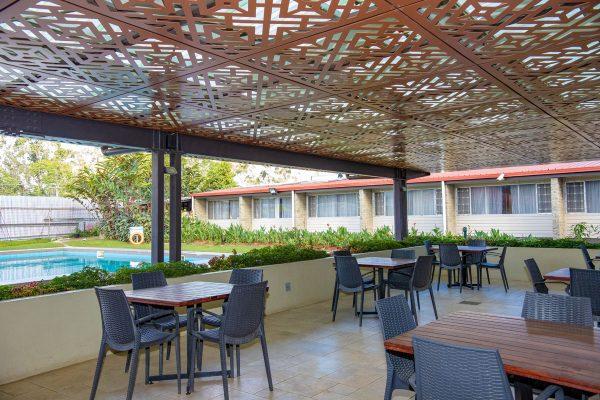 highlander-hotel-pool-3