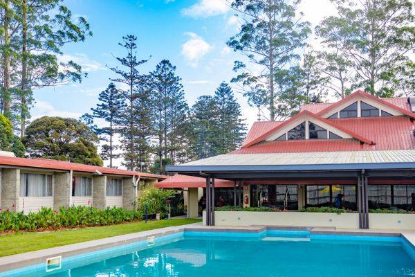 highlander-hotel-pool-6